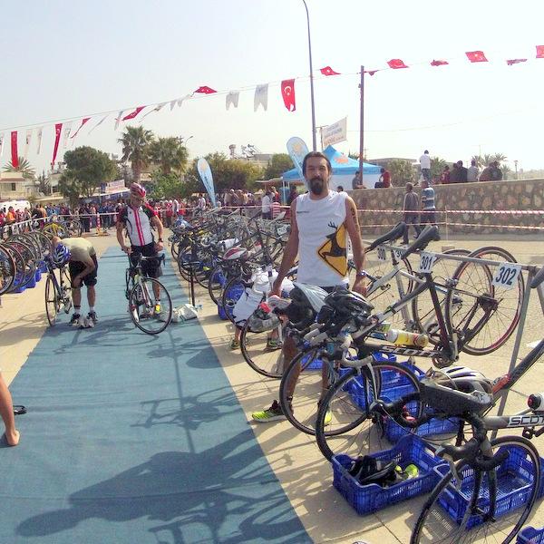 Taşucu triatlonu değişim alanı