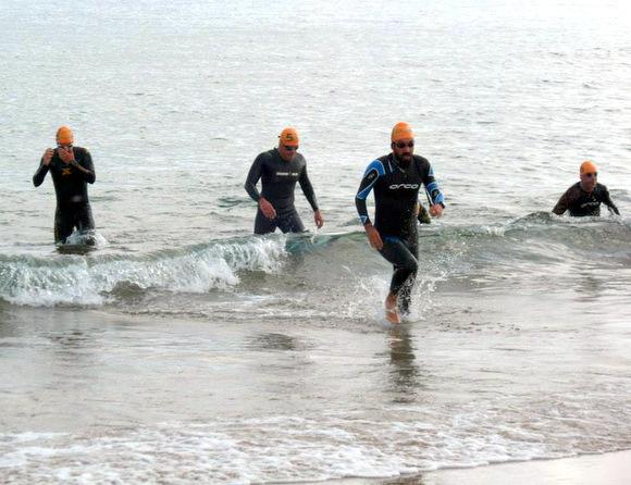 Nisan Şakası yüzme - Mert