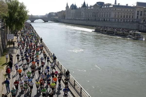 Paris Maratonu 2016 Seine kıyısı
