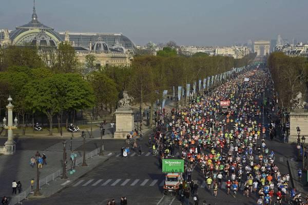 Paris Maratonu 2016 ilk kilometreler